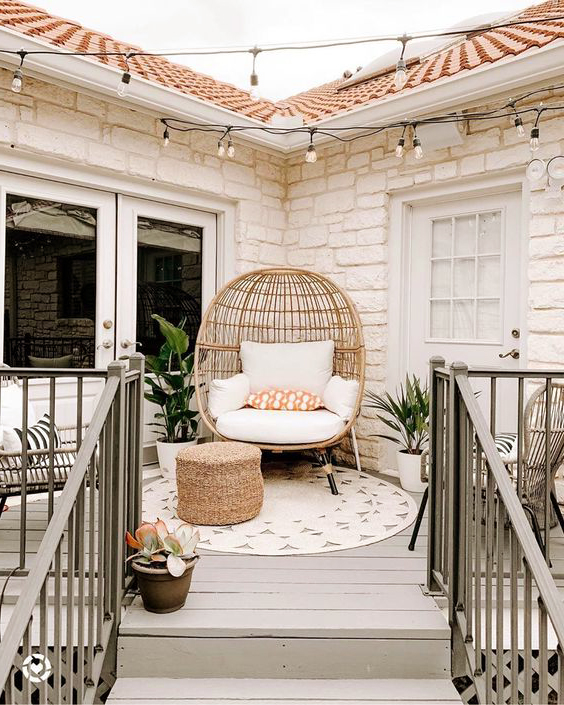 round hanging chair outdoor